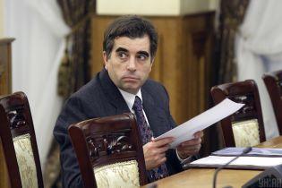 Столярчук просить Окружний суд поновити його на посаді заступника генпрокурора