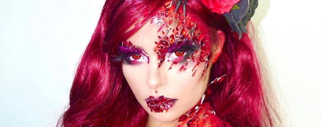 Грудь тоже показала: обнаженная Деми Роуз продемонстрировала свой образ на Хэллоуин