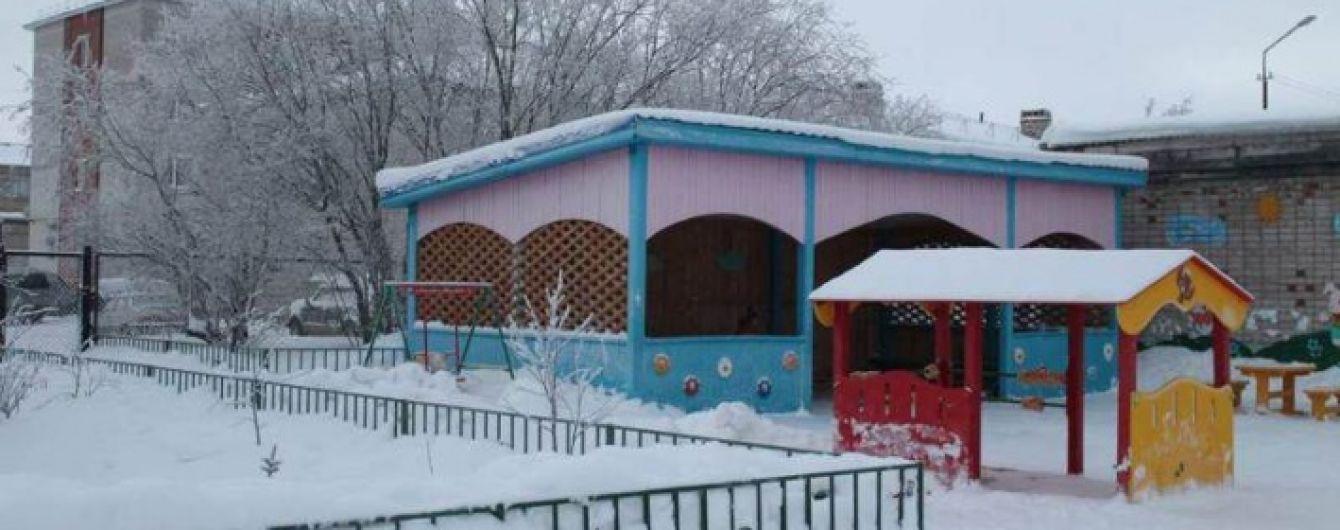 В Архангельской области РФ мужчина ворвался в детсад и зарезал маленького мальчика