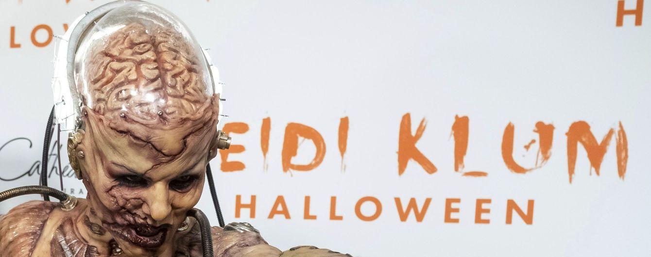 """Хайди Клум с """"изуродованным лицом"""" и """"разорванным животом"""" напугала фанатов костюмом на Хэллоуин"""