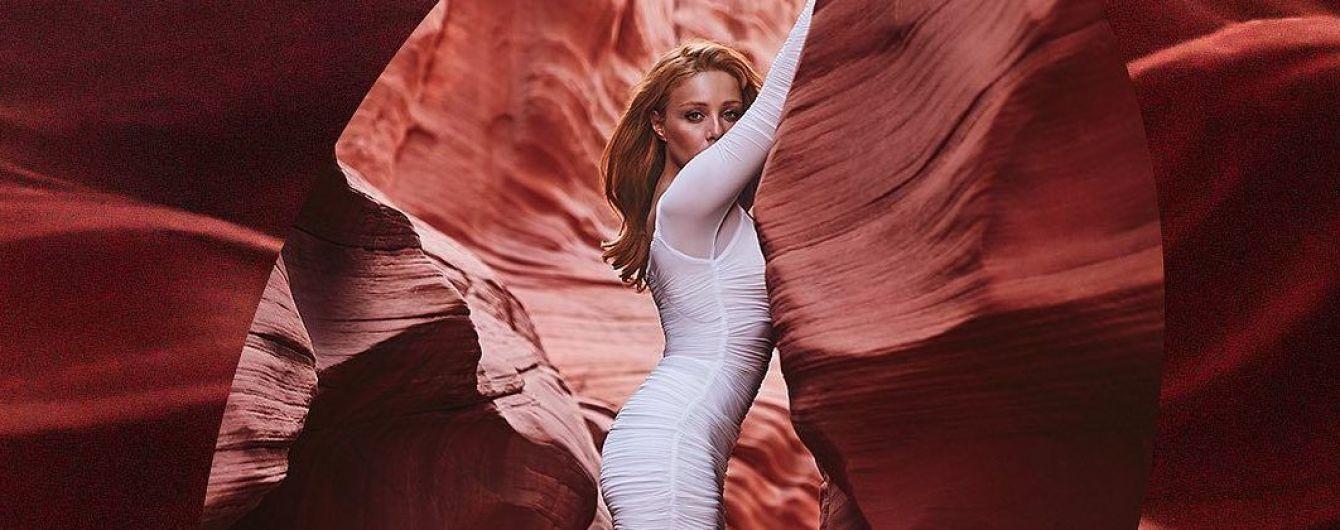 Она прекрасна: Тина Кароль в красивых платьях позировала в каньоне Антилопы