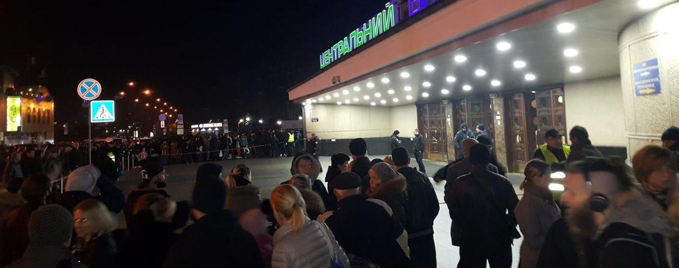 В Киеве заминировали железнодорожный вокзал - соцсети