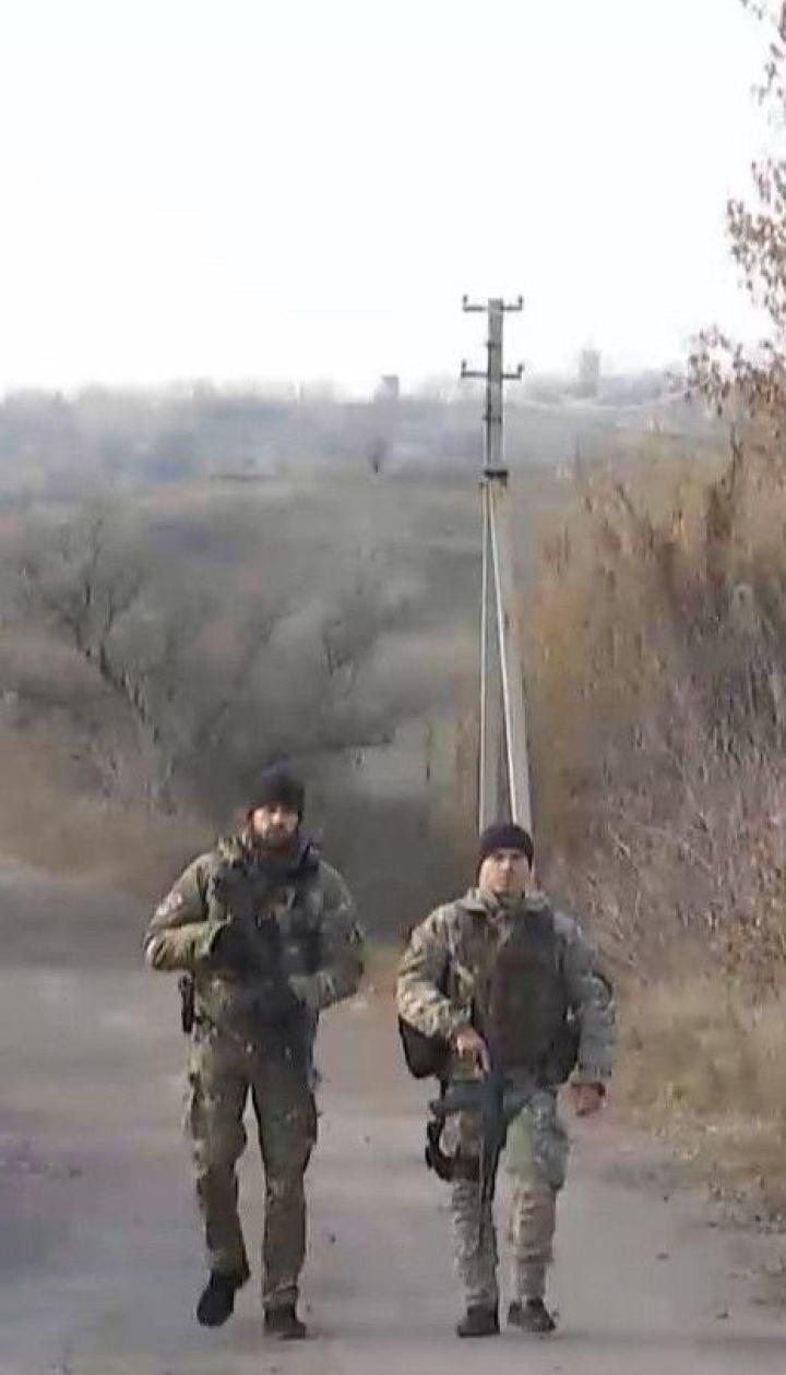 Разведение в Золотом: украинских журналистов пустили в зону отвода войск