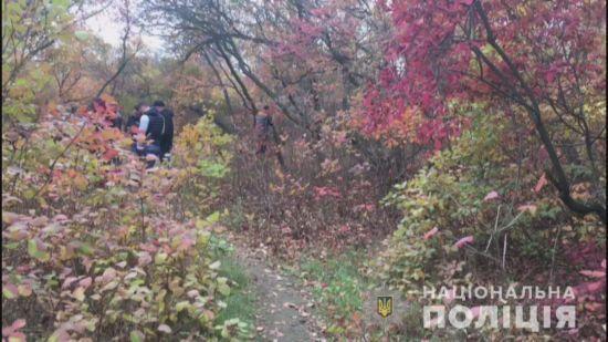 На Одещині в лісосмузі знайшли тіло 14-річної дівчинки