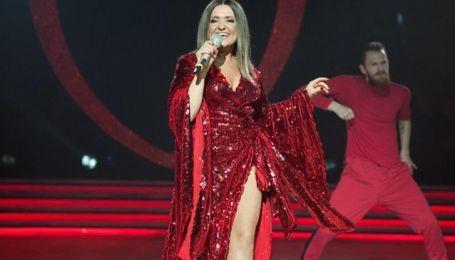 """У сукні з пікантним декольте і розрізом: Наталя Могилевська у сексуальному образі виступила на шоу """"Танці з зірками"""""""