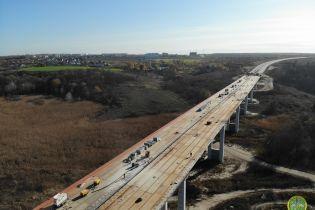 Масштабне будівництво естакади в обхід Полтави показали на фото