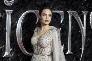 Анджелину Джоли экстренно эвакуировали со съемочной площадки