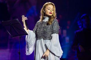 """Різдвяна історія з Тіною Кароль"": украинские звезды споют самые известные колядки"