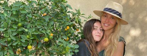 Оля Полякова рассекретила сумму заработка старшей дочери в соцсети