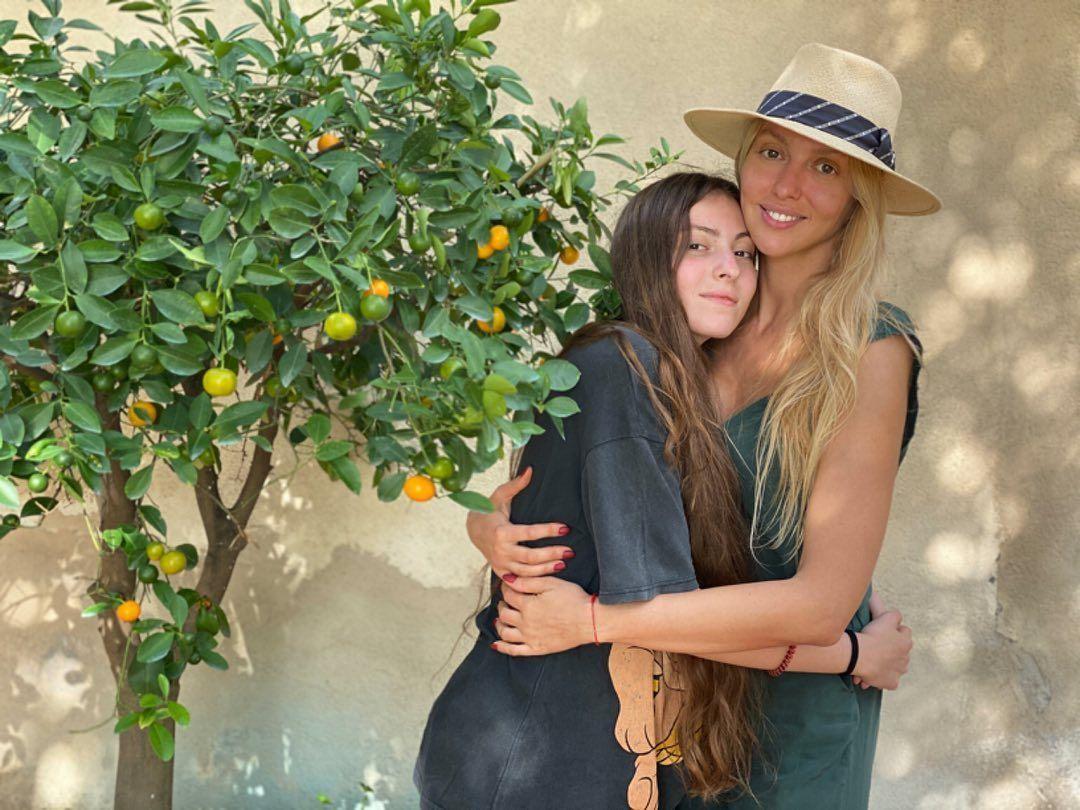 Оля Полякова з донькою_1