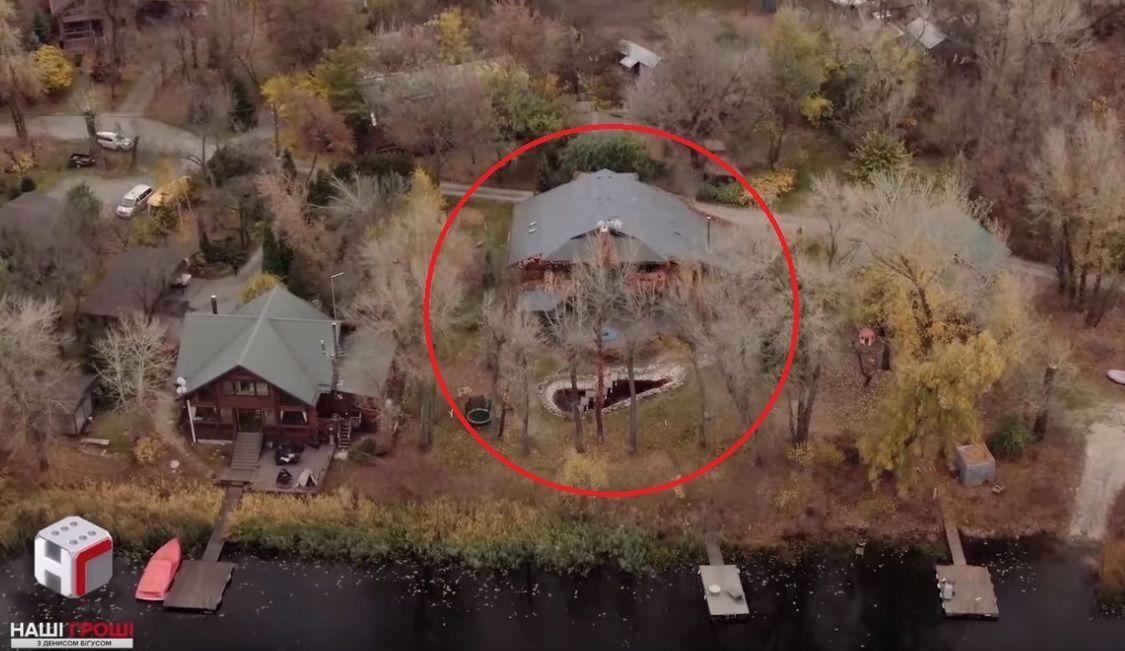 будинок, який орендує ткаченко на трухановом острові