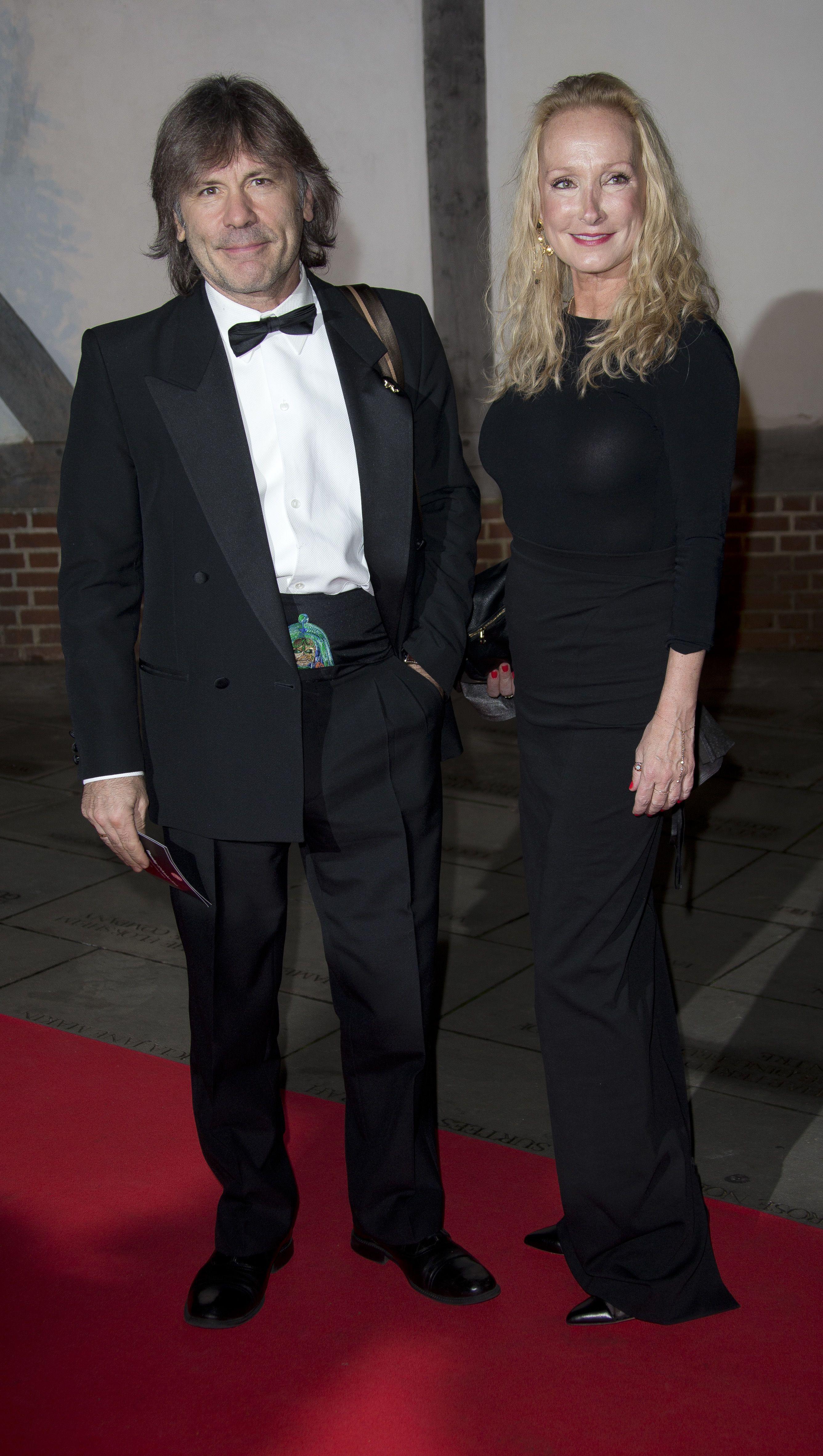 Брюс Дікінсон з дружиною
