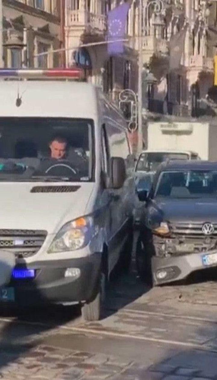 Львівські вибухотехніки потрапили в ДТП, коли їхали перевіряти інформацію про мінування