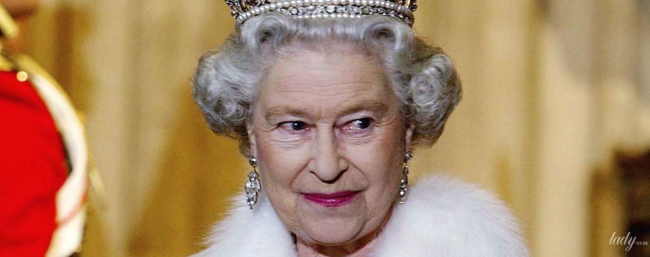 Більше ніколи: королева Єлизавета II відмовилася носити натуральне хутро