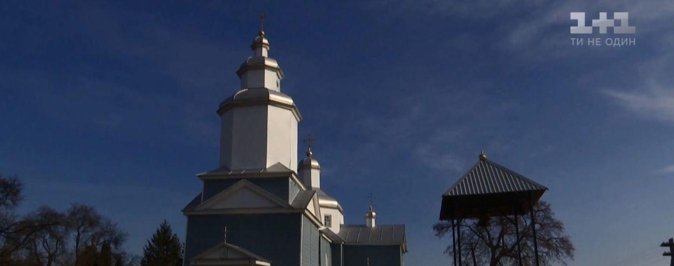 На Житомирщине закрыли храм из-за конфликта сторонников РПЦ и ПЦУ