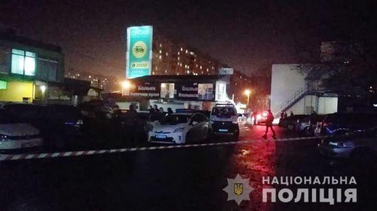 У Харкові біля спортивного клубу сталася стрілянина: один поранений, 14 затриманих