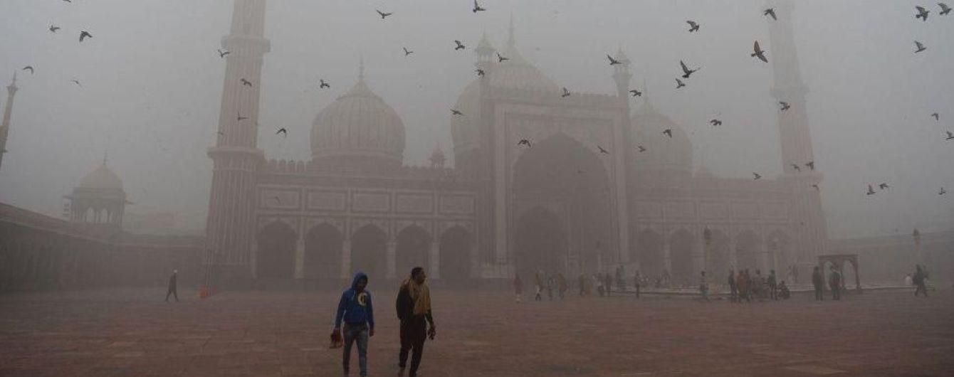 Индийский Тадж-Махал спасают от смога