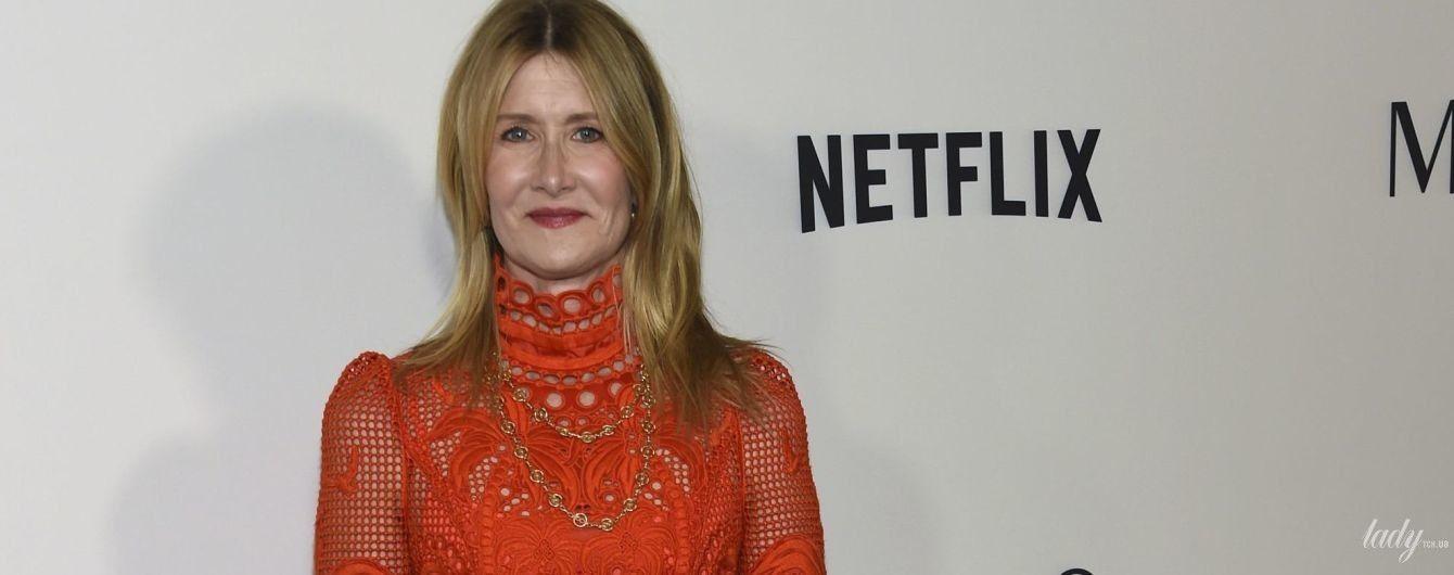 В красном ажурном платье: Лора Дерн на премьере фильма