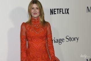 В червоній ажурній сукні: Лора Дерн на прем'єрі фільму