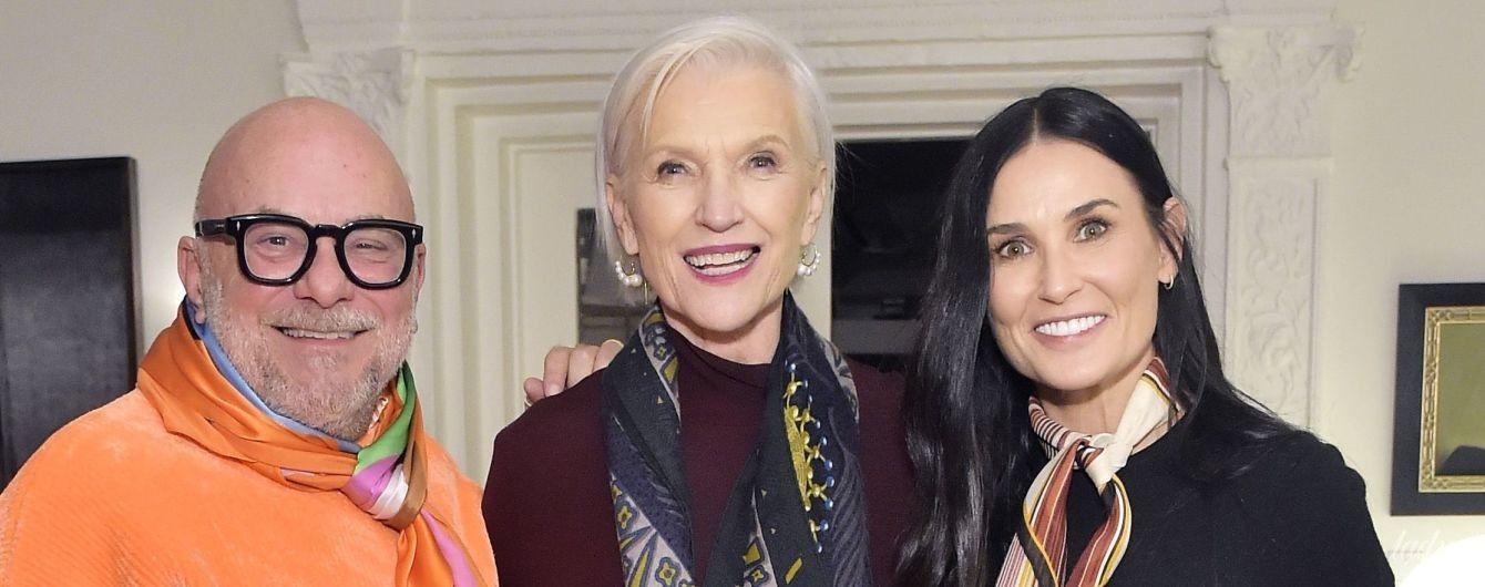 У винній сукні і чоботях з перлами: 71-річна Мей Маск у стильному луці вийшла в світ