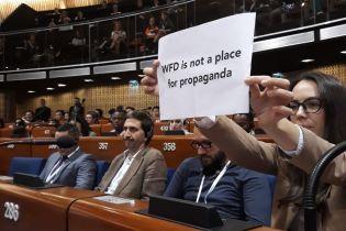 """Журналисты сорвали выступление российских пропагандистов в Совете Европы возгласами """"Fake!"""""""