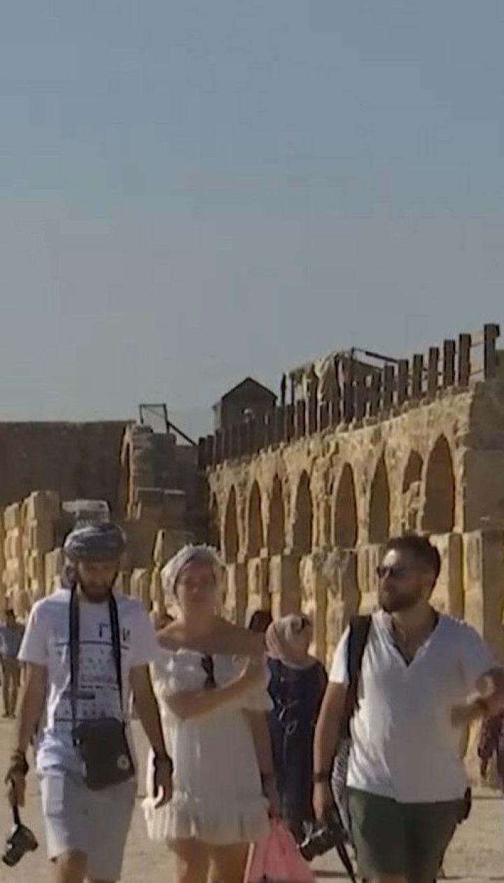 Чоловік із ножем накинувся на туристів у Йорданії