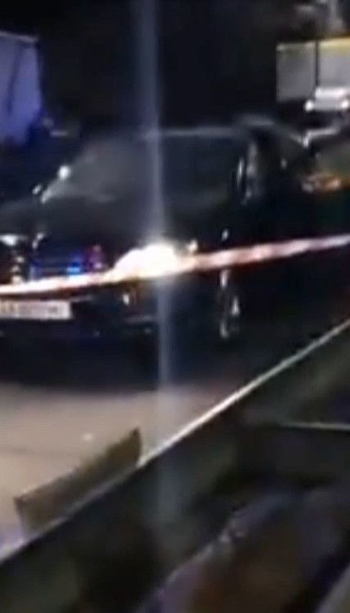 Вибух у столиці: на жвавому шосе підірвали автомобіль
