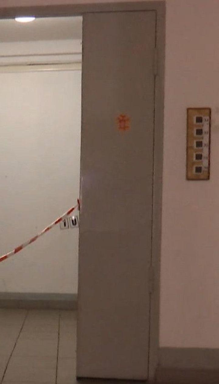 В одной с многоэтажек столичного Святошино мужчина из ружья обстрелял соседа