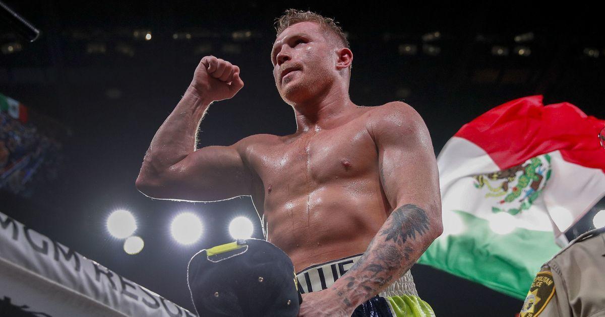 Вистачило трьох раундів: найкращий боксер світу знищив чергового суперника (відео)