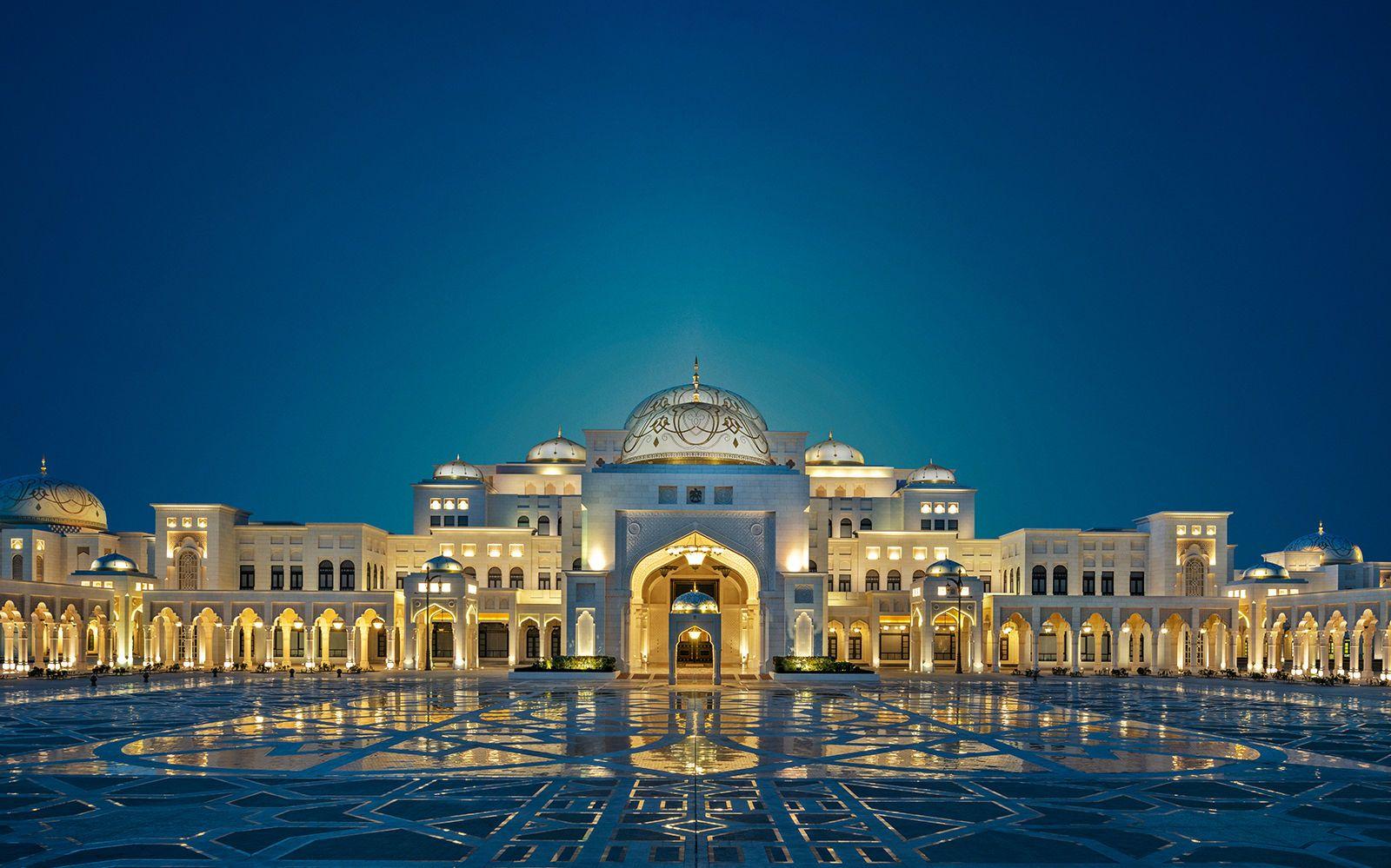 Королевский дворец Qasr Al Watanв Абу-Даби