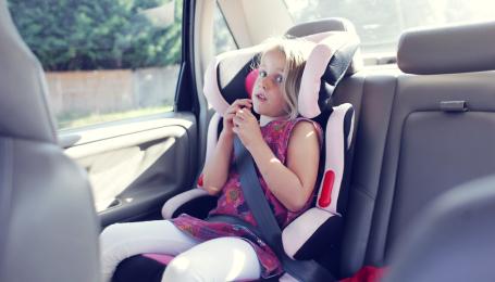 Перевозка ребенка без автокресла. В Украине начинают штрафовать водителей