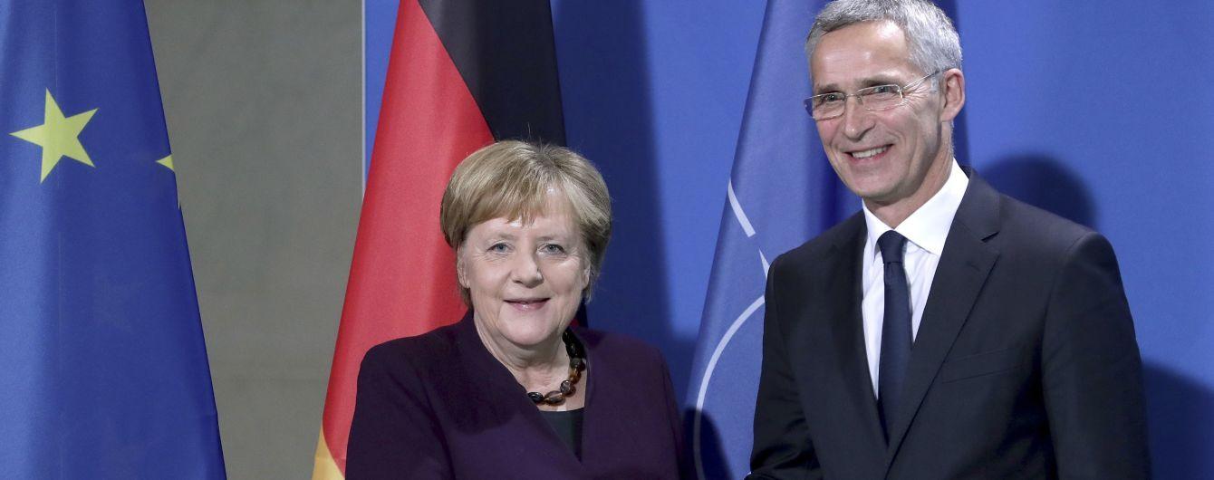 """Меркель и Столтенберг отвергли слова Макрона о """"смерти мозга"""" НАТО"""