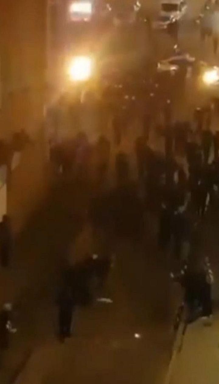 Около сотни футбольных болельщиков подрались во Львове: 12 фанов задержали