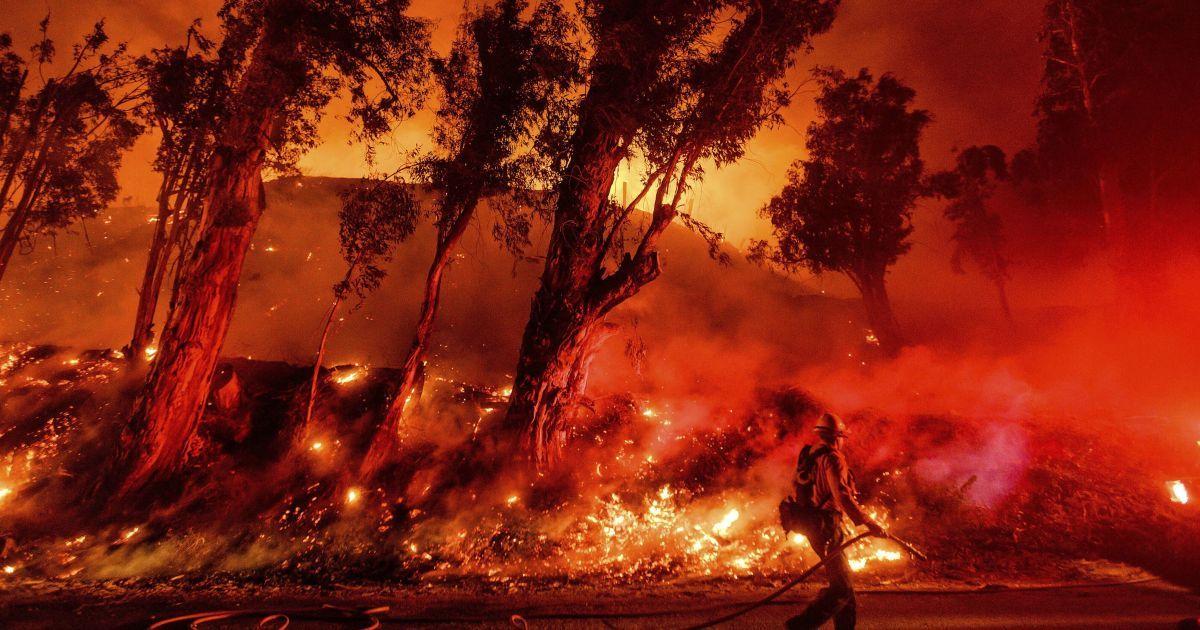 Октябрь-2019 стал одним из самых горячих в истории: главные аномалии месяца в инфографиках