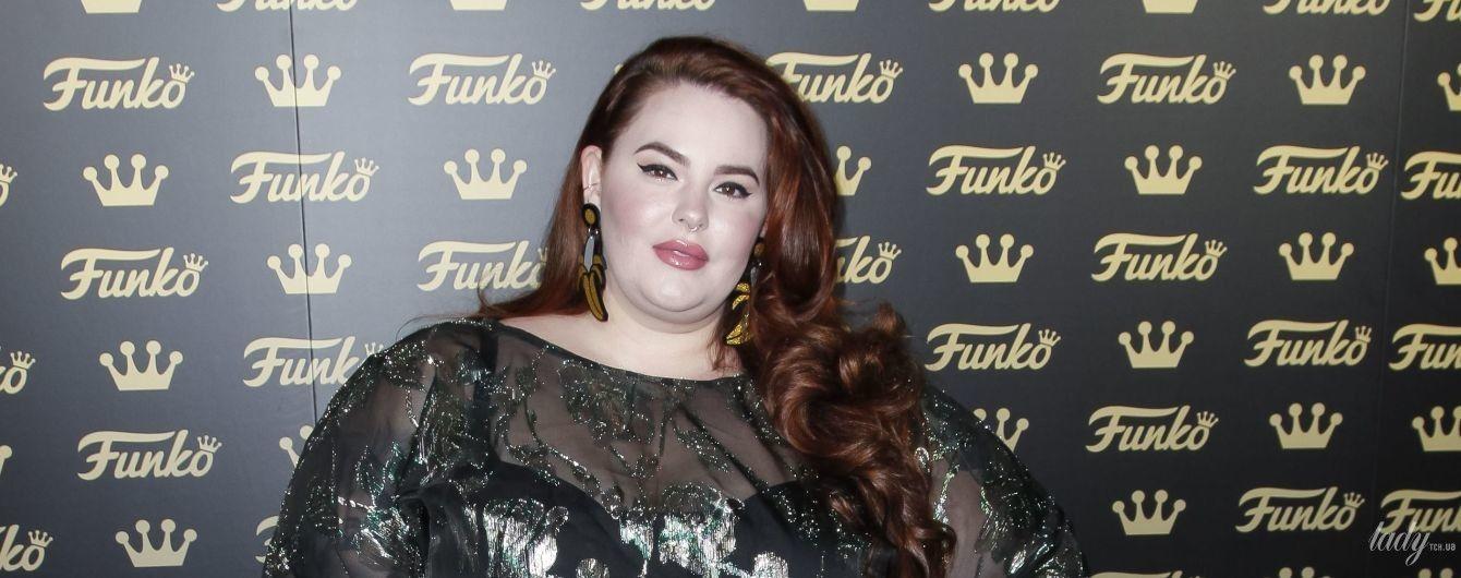 Схудла і одягла прозору сукню: модель plus-size Тесс Голлідей на відкритті магазину