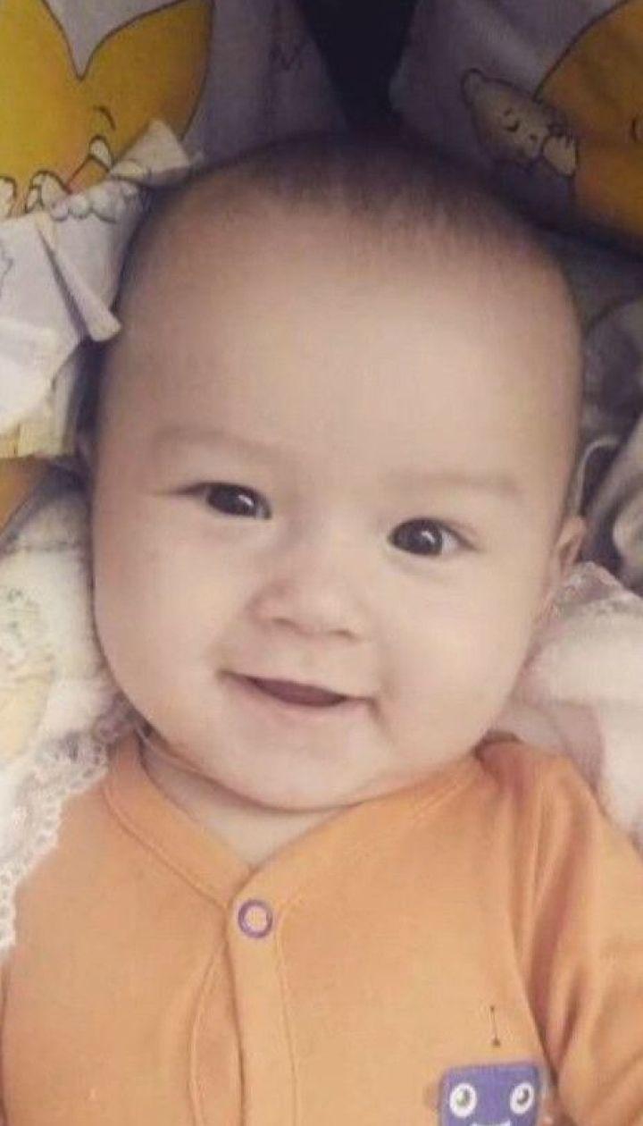 В убийстве 6-месячного малыша подозревают отца - соседи не верят в его вину