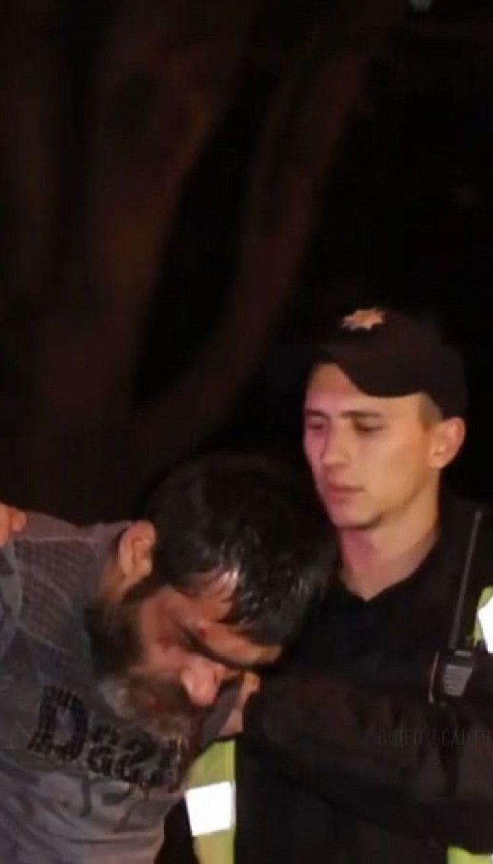 У Києві п'яний водій влаштував дебош у магазині, розтрощив 9 авто і намагався втекти