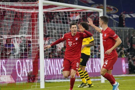 """""""Баварія"""" легко розтрощила """"Боруссію"""", Левандовські встановив рекорд Бундесліги"""