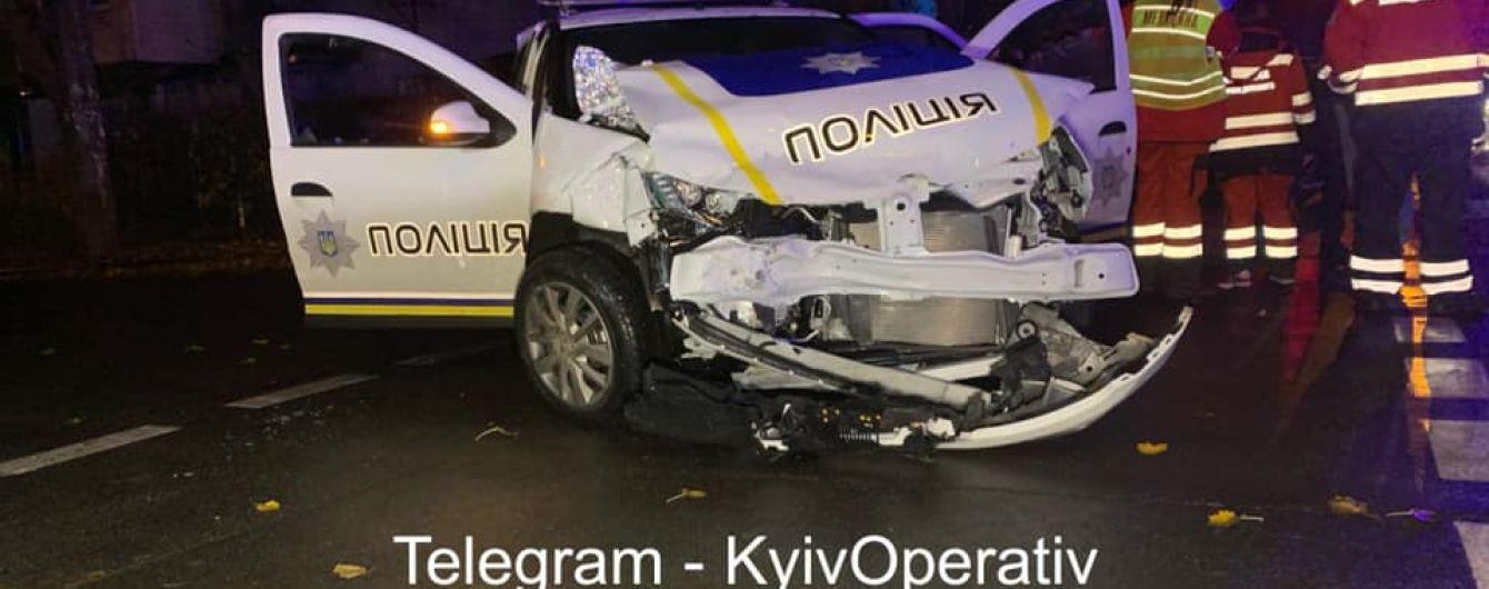 В Киеве в ДТП двух автомобилей пострадали сразу трое полицейских