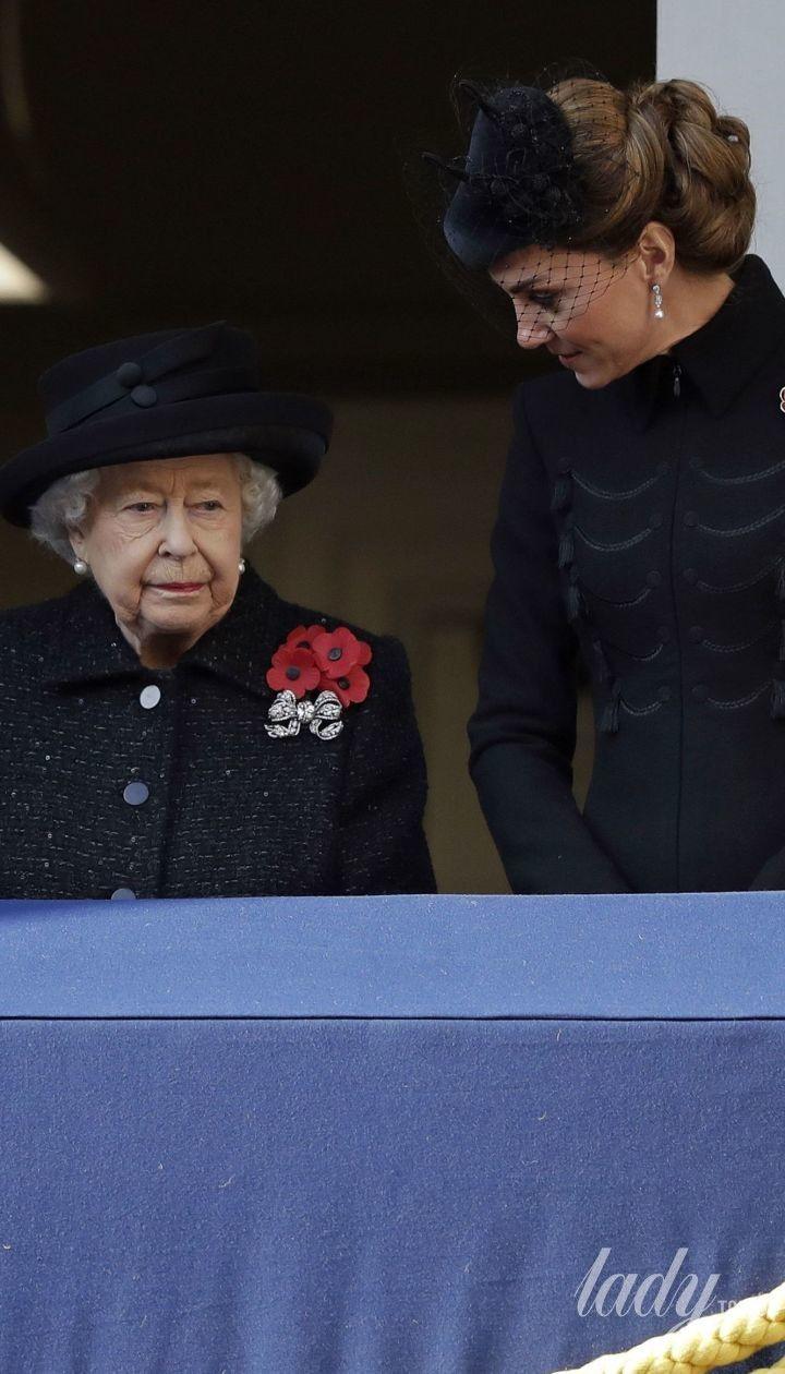 Герцогиня Камілла, королева Єлизавета II, герцогиня Кетрін