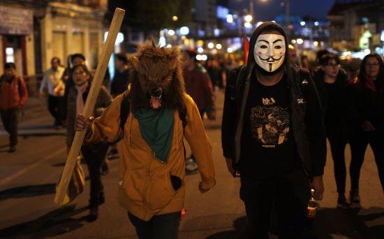 Державний переворот чи повалення злочинної влади. Що відбувається в охопленій протестами Болівії