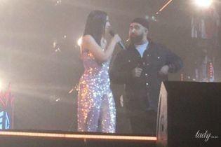 Это было очень красиво: Джамала в блестящем наряде презентовала новую песню с Jah Khalib во Дворце спорта