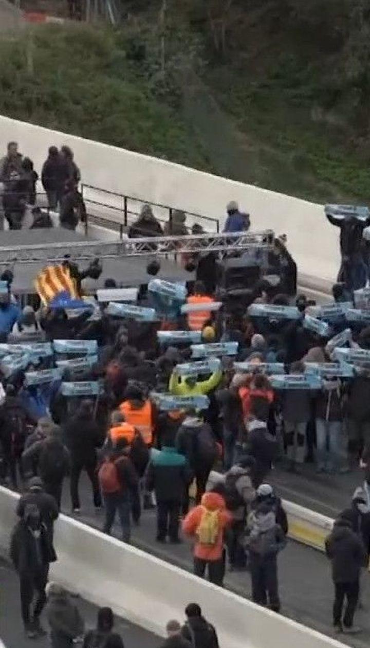 Каталонські сепаратисти перекрили одну із головних автомагістралей в регіоні
