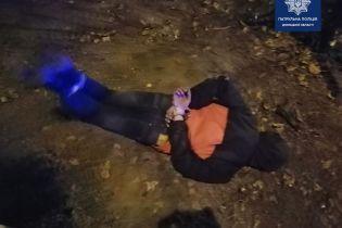 В Мариуполе патрульный в одиночку обезоружил мужчину, стрелявшего по прохожим