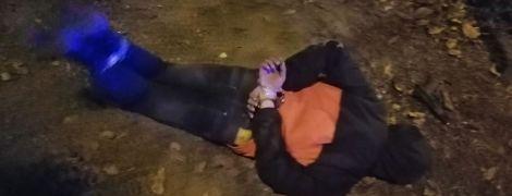У Маріуполі патрульний самотужки обеззброїв чоловіка, який стріляв по перехожих