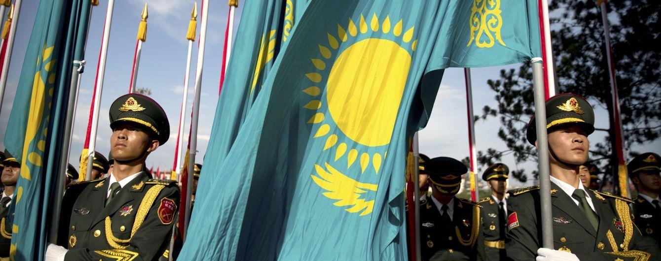 """МЗС Казахстану хоче обговорити з Україною слова Токаєва про """"неанексований Крим"""""""