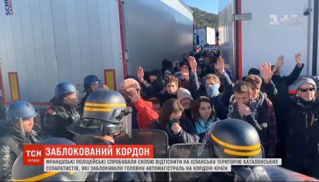 Каталонські сепаратисти усю ніч блокували трасу між Францією та Іспанією