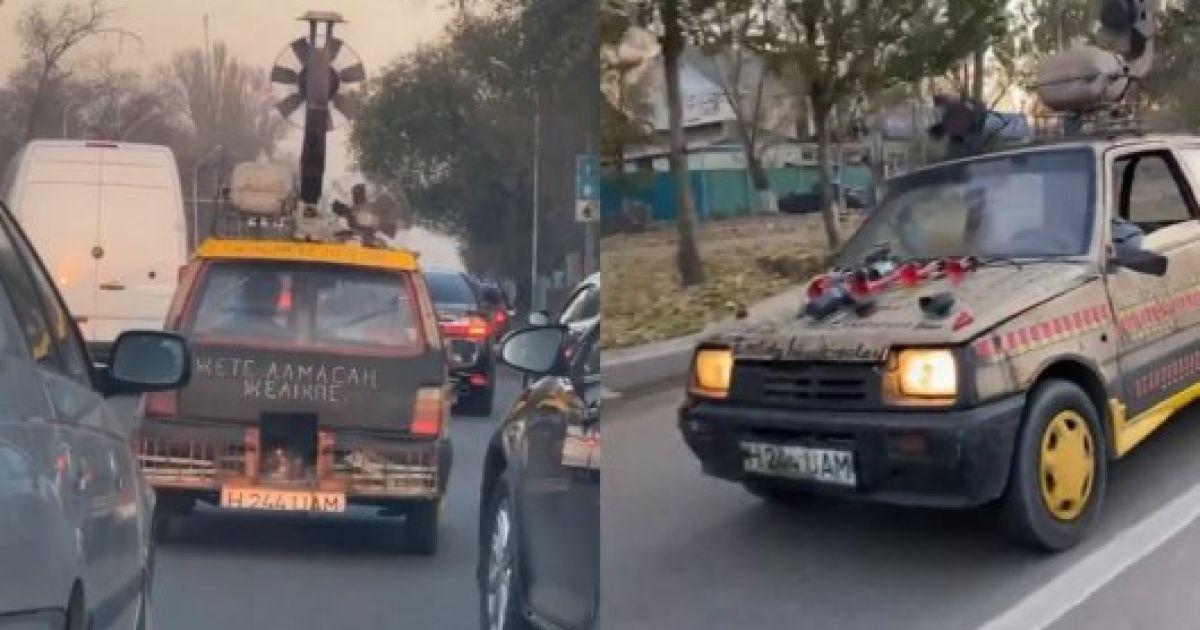 """В Казахстане засняли """"ВАЗ"""" на дровах. Водитель получил сразу шесть штрафов"""