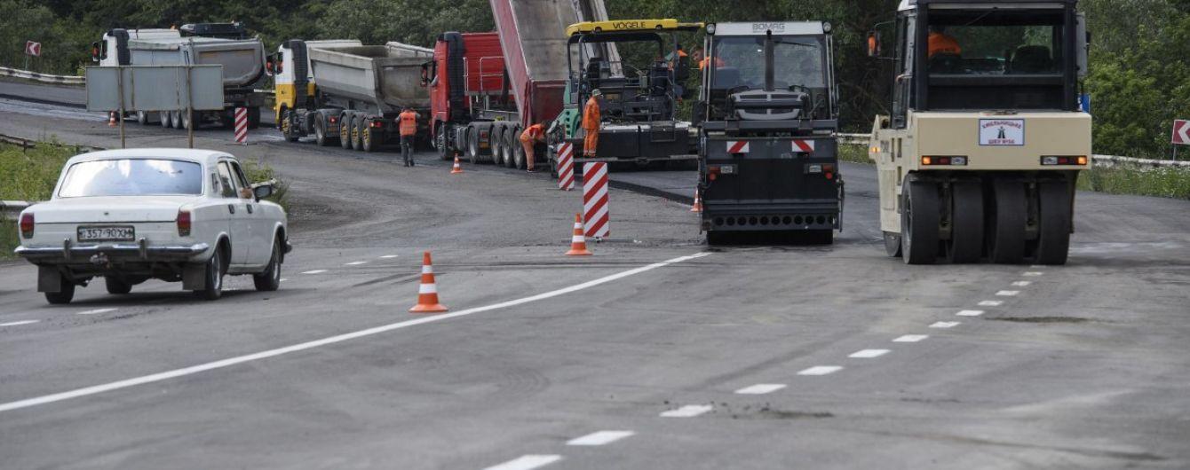 """В Украине выделят рекордную сумму на ремонт дорог. """"Укравтодор"""" назвал цифры"""