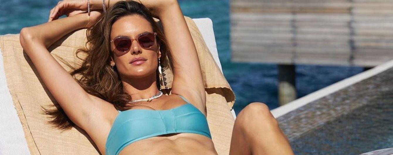 Нежится под мальдивским солнцем: Алессандра Амбросио в бикини похвасталась снимками из отпуска